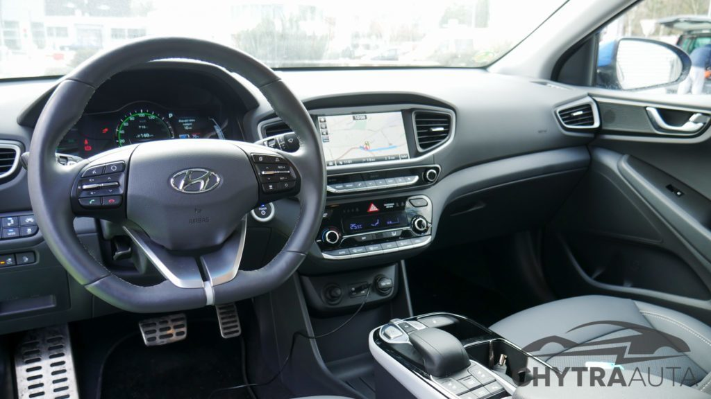 Hyundai Ioniq interiér
