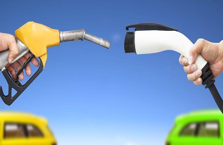 Ropní magnáti založili kampaň proti elektromobilům, bojí se?