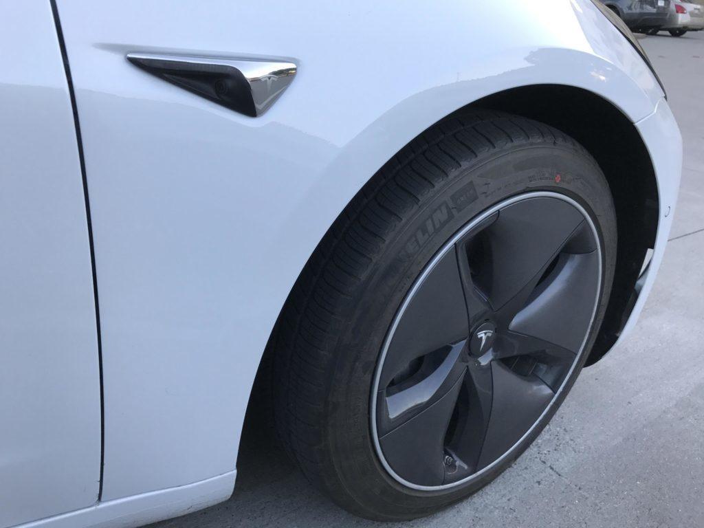 Tesla Model 3 aerodynamická kola