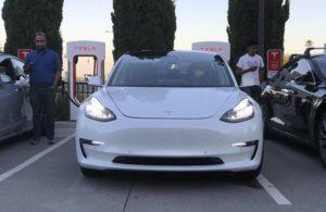 Tesla Model 3 design je finální, říká zaměstnanec Tesly
