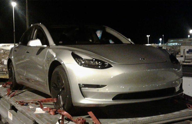 První Tesla Model 3 byl spatřen na Novém Zélandu