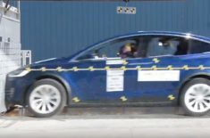 Tesla Model X crash-test