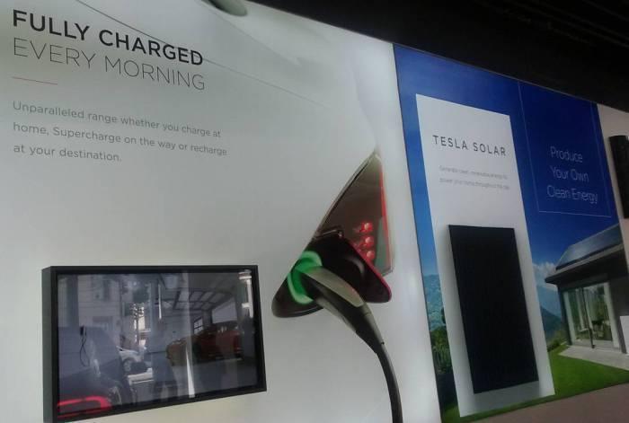 Tesla solární panely
