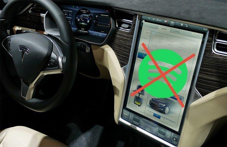 Tesla vyvíjí službu pro stream hudby v autě, nahradí Spotify