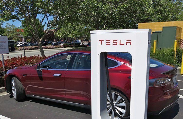Rozšíření stanic Tesla Supercharger