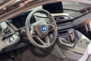 BMW i8 interiér 1
