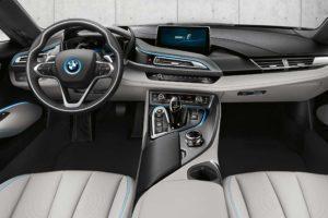 BMW i8 interiér 2