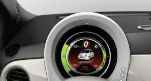 Fiat 500e ukazatel rychlosti