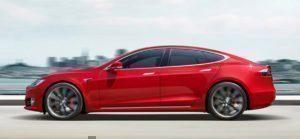 Tesla Model S z boční strany