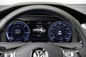 Volkswagen e-Golf interiér, infotainment systém